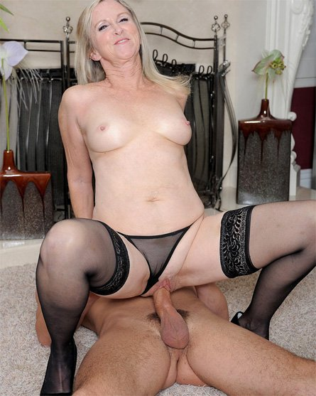 Annabelle Brady A Hot and Naughty MILF