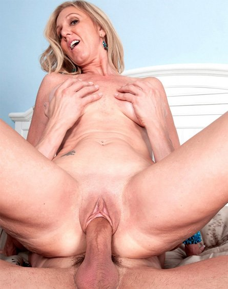 Download big pussy xxx movie photo