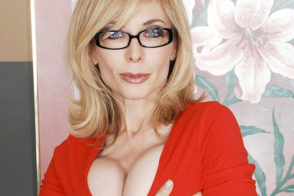 Mature Babe Nina Hartley Goes Anal
