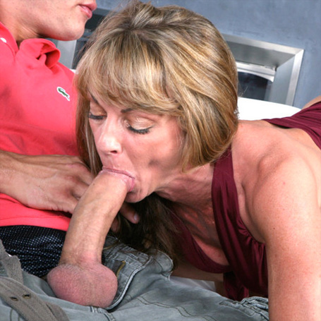 Young Guy Seduced Mature Milf